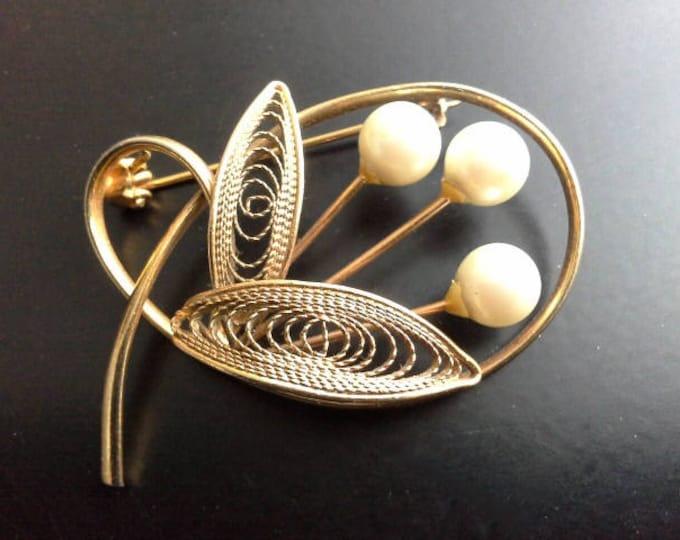 Vintage Gold Tone & Pearl Modernist Floral Brooch Filigree Leaves