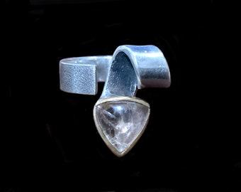BORA Modernist Sterling Silver 925 Rose Gold Vermeil & Rose Quartz Cabochon Ring Size 6.5  Bora Yasar Designer Ring Bypass Ring