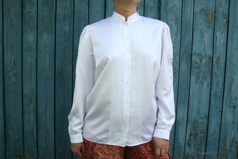caff6e1bbd9e Vintage white Edwardian blouse Party embroidered blouse silky