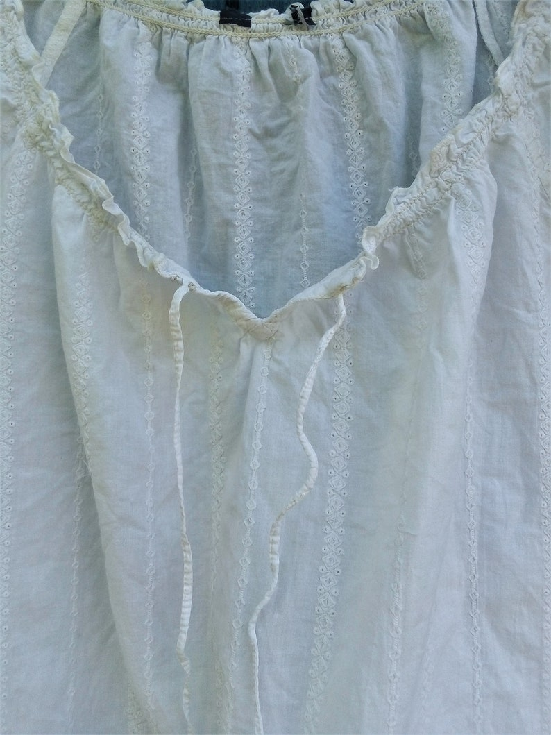 Peasant White embroidered top Cotton lace blouson Boho summer blouse Rustic top Puff sleeve blouson