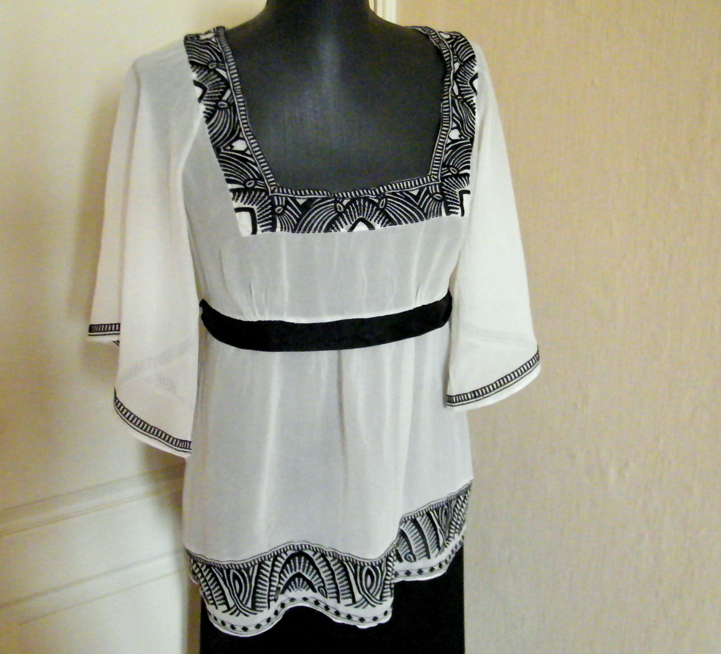 ethnic style boho embroidered blouse Embroidery blouse ethnic blouse. white blouse summer blouse