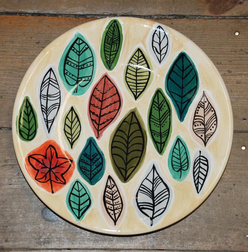 Stylised Leaf Design Plate image 0