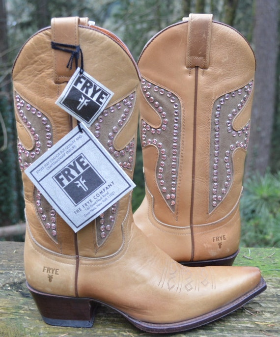 ee16d8e4a27 Frye Vintage Daisy Duke Western Boots Size 8 for Women - With Tags and  Never Worn