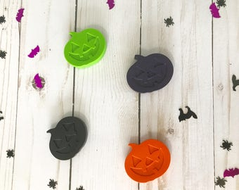 Jack O Lantern Crayons - Halloween favors - Pumpkin Crayons - Halloween party - Happy Halloween - Party Favors - Cute Halloween - Crayons