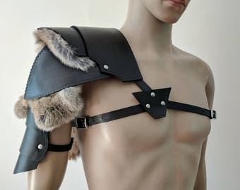 Barbarian Single Pauldron