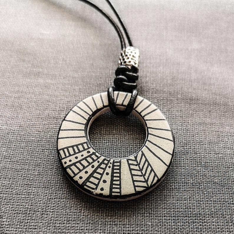 Concrete handmade necklace/_ concrete handmade necklace jewelry Jewelry leather Handgemalt/_ leather handpainted Einzelst\u00fcck