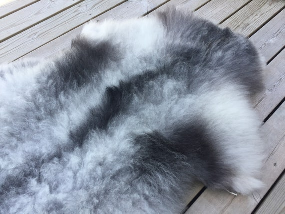 Natural Sheepskin high quality rug supersoft pelt rugged throw from Norwegian norse breed short fleece sheep skin grey 18108