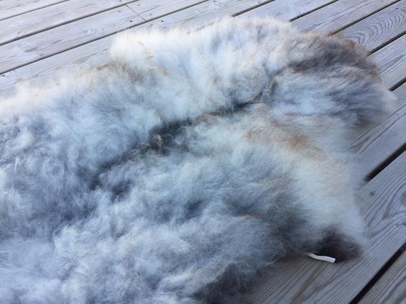 Real natural Sheepskin rug supersoft pelt rugged throw from Norwegian norse breed medium locke length sheep skin grey gray brown 18098