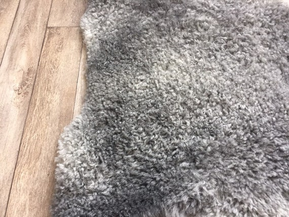 Supersoft sheepskin exclusive rug beautiful Norwegian pelt sheep skin curly grey throw 19024