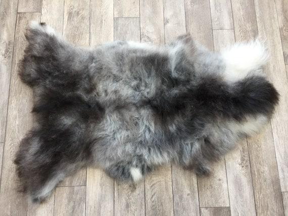 Real natural Sheepskin rug supersoft pelt rugged throw from Norwegian norse breed medium locke length sheep skin grey gray brown white 19029