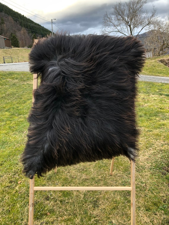Lush pelt Long haired Sheepskin natural rug supersoft pelt rugged throw from Norwegian breed sheep skin black 21136