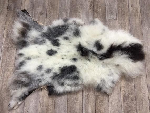 Real natural Sheepskin rug supersoft pelt rugged throw from Norwegian norse breed medium locke length sheep skin black grey white 19140