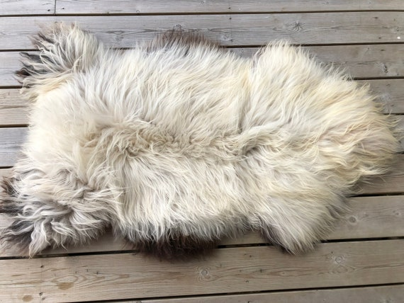 Sheep rug natural Sheepskin supersoft pelt rugged throw from Norwegian norse breed medium locke length skin grey brown yellow 20068