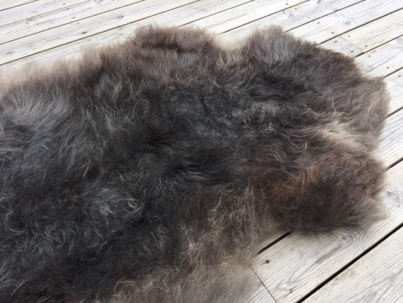 Supersoft sheepskin exclusive rug beautiful Norwegian pelt sheep skin curly grey throw 19078
