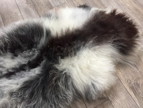 Real natural Sheepskin rug supersoft pelt rugged throw from Norwegian norse breed medium locke length sheep skin black grey white 19141