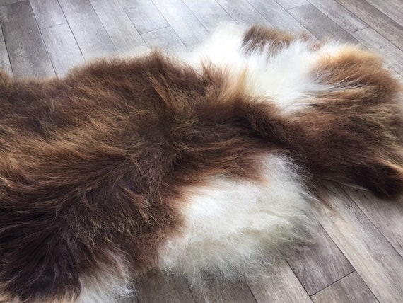 Spotted, long haired, large sheepskin rug spael sheep throw brown white - 19046