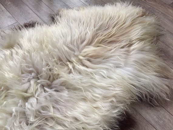 Real Sheepskin natural sheep rug supersoft pelt rugged throw from Norwegian norse breed long haired white yellow brown 20018