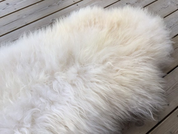 Real Sheepskin natural sheep rug supersoft pelt rugged throw from Norwegian norse breed medium locke length skin white yellow 19114