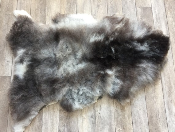Real natural Sheepskin rug supersoft pelt rugged throw from Norwegian norse breed medium locke length sheep skin grey black white 19037