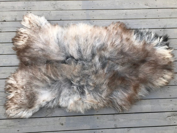 Beautiful Sheepskin rug soft, volumous throw natural exclusive sheep skin Norwegian pelt 19167