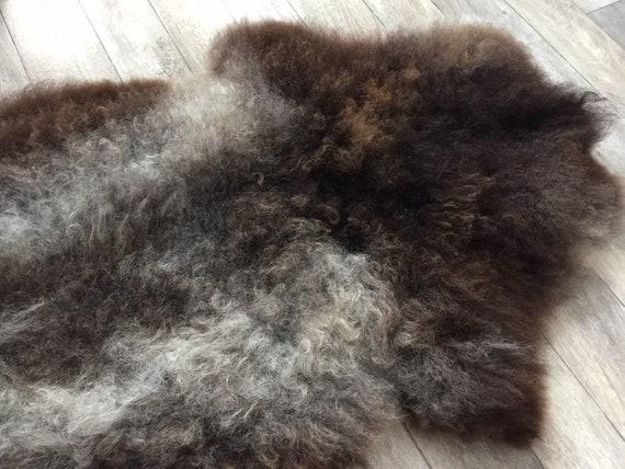 Real natural Sheepskin rug supersoft pelt rugged throw from Norwegian norse breed medium locke length sheep skin black brown grey 19151