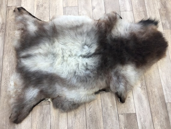 Real natural Sheepskin rug supersoft pelt rugged throw from Norwegian norse breed medium locke length sheep skin grey gray brown white 19030