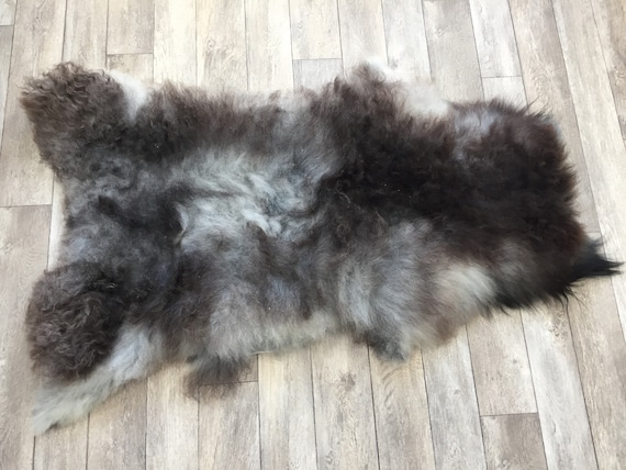 Real natural Sheepskin rug supersoft pelt rugged throw from Norwegian norse breed medium locke length sheep skin grey gray dark brown 19032