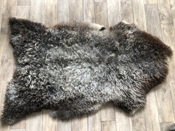 Large long haired pelt curly sheepskin rug supersoft Norwegian sheep throw grey brown 21053