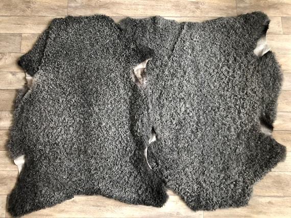 2 exclusive Gotland sheepskin rugs, set of 2 pelts curly matching grey wool set no 2111