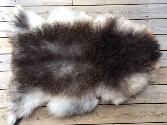 Real Sheepskin natural sheep rug supersoft pelt rugged throw from Norwegian norse breed medium locke length skin brown grey 19106