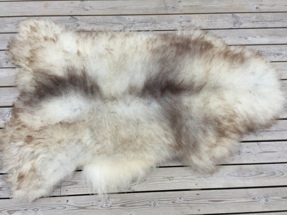 Large lush sheepskin rug soft, volumous throw sheep skin long haired Norwegian pelt natural grey brown 18134