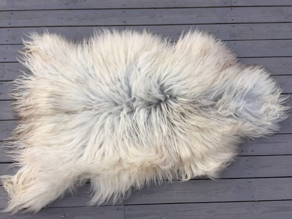 Real Sheepskin natural sheep rug supersoft pelt rugged throw from Norwegian norse breed medium length wool white yellow brown 20007