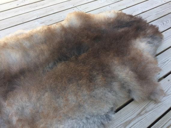 Real natural Sheepskin rug supersoft pelt rugged throw from Norwegian norse breed medium locke length sheep skin brown grey gray 18096