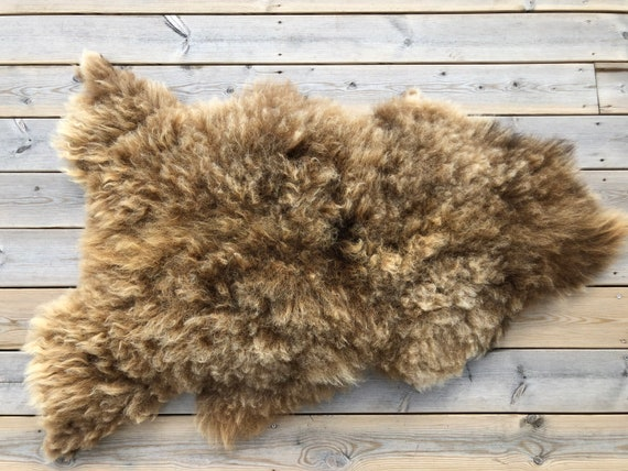 Real natural Sheepskin rug supersoft pelt rugged throw from Norwegian norse breed medium locke length sheep skin brown 20127