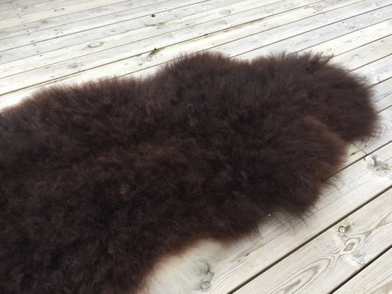 Volumous sheepskin soft throw real sheep skin Norwegian pelt natural dark brown 18159