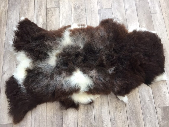 Real natural Sheepskin rug supersoft pelt rugged throw from Norwegian norse breed medium locke length sheep skin brown white grey 19039