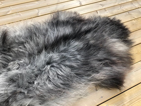Long haired Sheepskin natural rug supersoft pelt rugged throw from Norwegian breed sheep skin grey black 20037