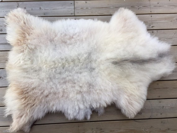 Real Sheepskin natural sheep rug supersoft pelt rugged throw from Norwegian norse breed medium locke length skin white brown grey 19115
