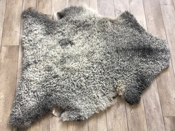 Supersoft sheepskin exclusive rug beautiful Norwegian pelt sheep skin curly grey throw 19011