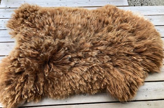 Rugged Sheepskin rug soft, volumous throw natural sheep skin Norwegian pelt golden brown 20071