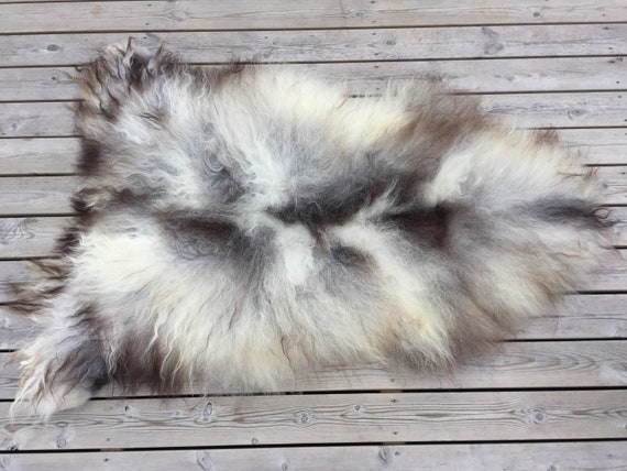 Long haired wool blanket colorful sheepskin rug soft, volumous throw sheep skin Norwegian pelt natural brown grey white 18138
