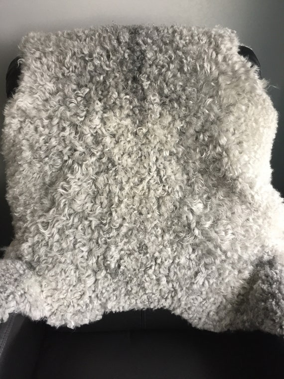Supersoft sheepskin exclusive rug beautiful Norwegian pelt sheep skin curly grey throw 19006