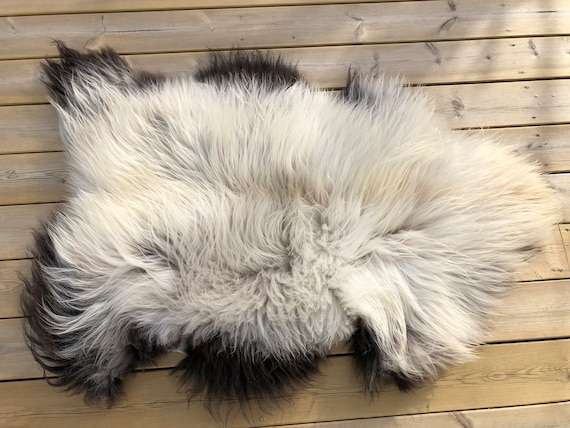 Shiny sheepskin fluffy rug supersoft pelt rugged throw from Norwegian norse breed medium hair length sheep skin white brown 20041