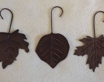 Large metal hanging leaves rusty brown colored 1