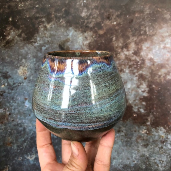 Handmade stoneware mug / cup
