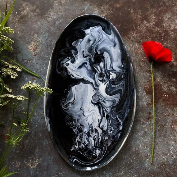 Snow White stoneware platter