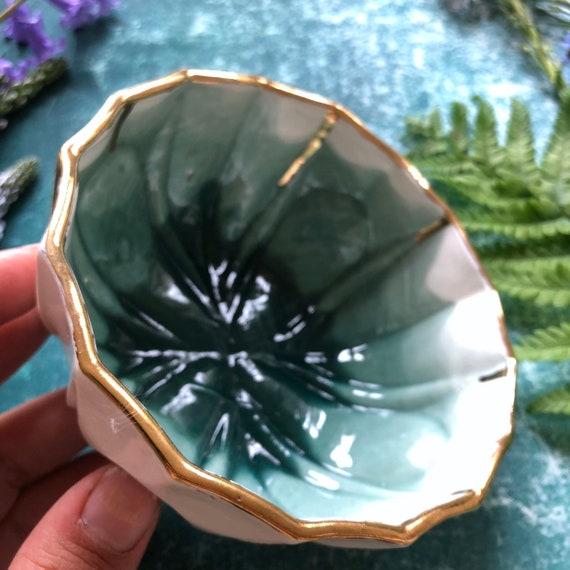 Porcelain bowl with 23K gold rim