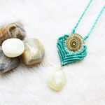 Pendant necklace JAGAANA • Moonstone • Micromacramé • • • • • • Cesira Crystal Mineral Gemstone Macrame Necklace