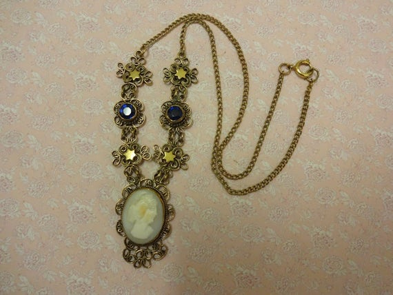 Vintage Cameo Necklace, Cameo Gold Necklace, Cameo