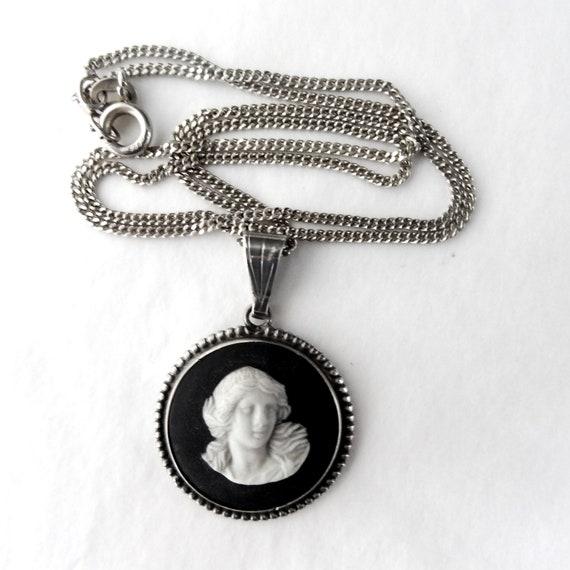 cloak brooch pendant Jasper money clip
